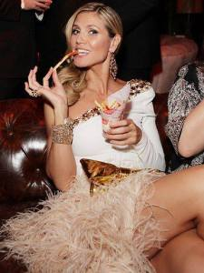 Heidi Klum wearing cuff from Appartement A Louer